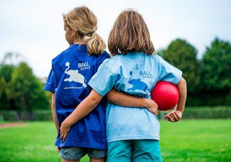 Piger med bold